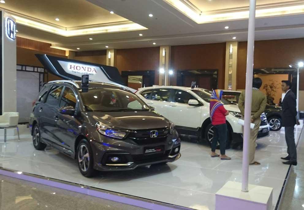Galaxy Auto Mall >> Warga Surabaya Nih Ada Pameran Area Timur Otoplasa